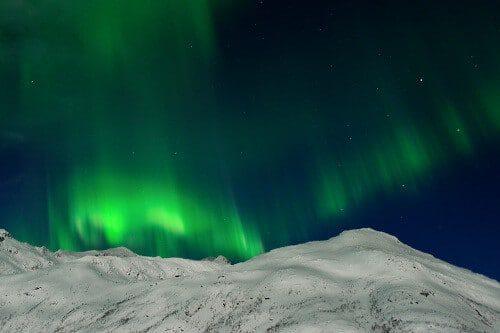 Polarlicht im Mondschein