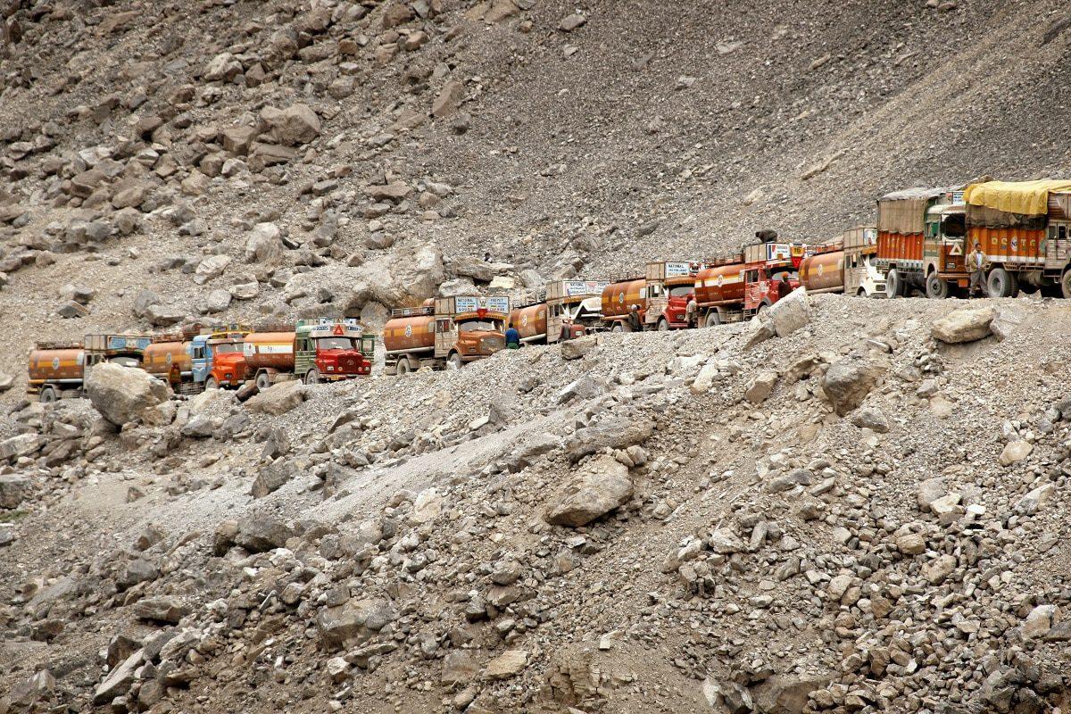 Treibstoff-Versorgungskolonne: Manali (Nordindien) – Leh/Ladakh (Kaschmir)